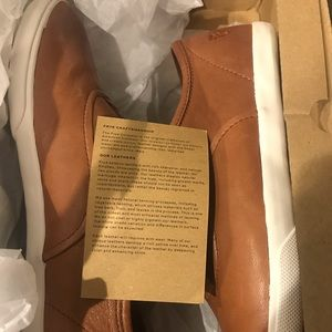 Brand new, never worn, Frye Maya CVO 8.5